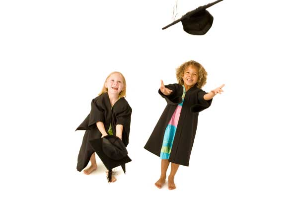 Graduation-Ceremony-Mortarboard-Throw