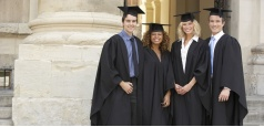 Hire Your Graduation Garments